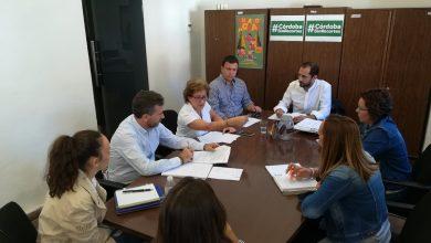 Photo of IU acusa a la Junta de Andalucía de «querer cargarse la ayuda a domicilio» y de beneficiar a las grandes multinacionales