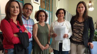 Photo of La Asamblea Local de IU Espejo registran 1300 firmas en la Delegación del Gobierno solicitando que se cubra las sustituciones y vacantes con un especialista en pediatría